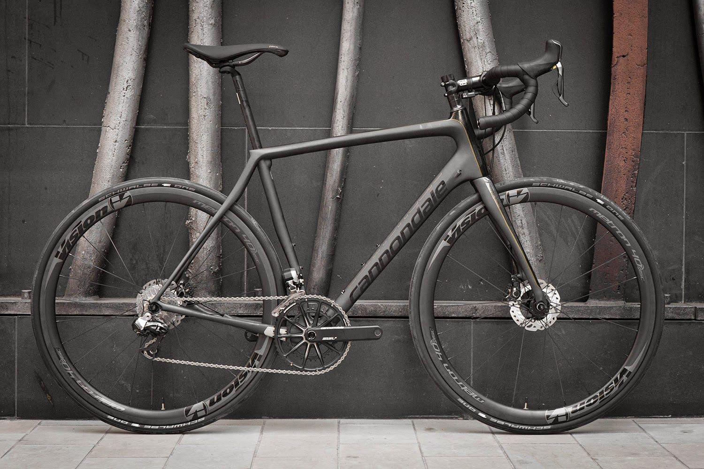 Cannondale Black Inc Hi Mod Synapse Disc Cannondale Bikes Cannondale Classic Road Bike