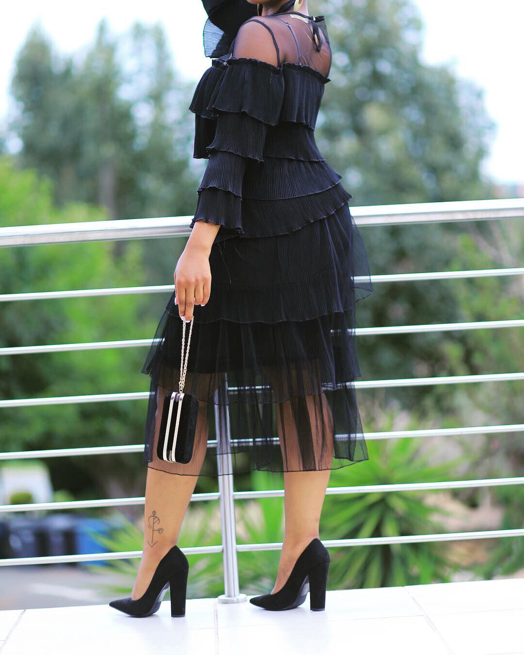 Skirt and top Funeral attire, Womens clothing stores