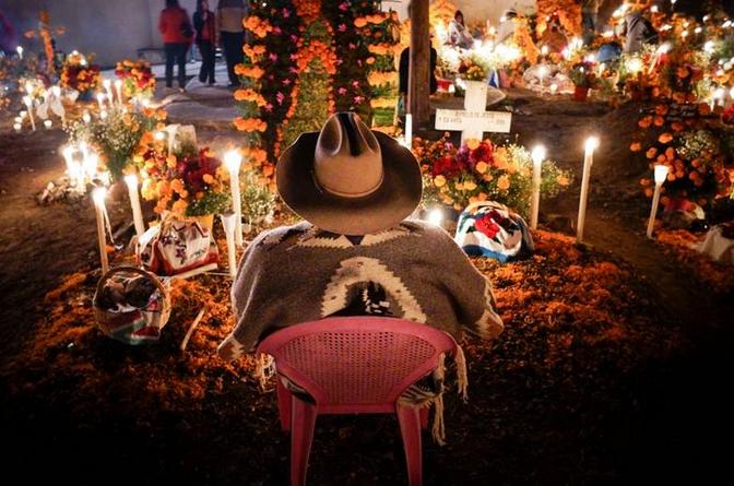 Prepárate para el más mágico #DíadeMuertos que hayas vivido jamás, por supuesto sólo en #Pátzcuaro #Michoacán