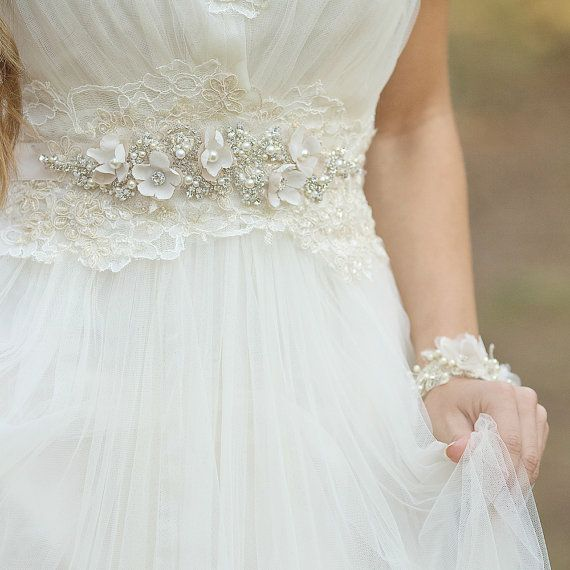 Gorgeous Wedding Dress Sashes and Belts | Pinterest | Wedding dress ...