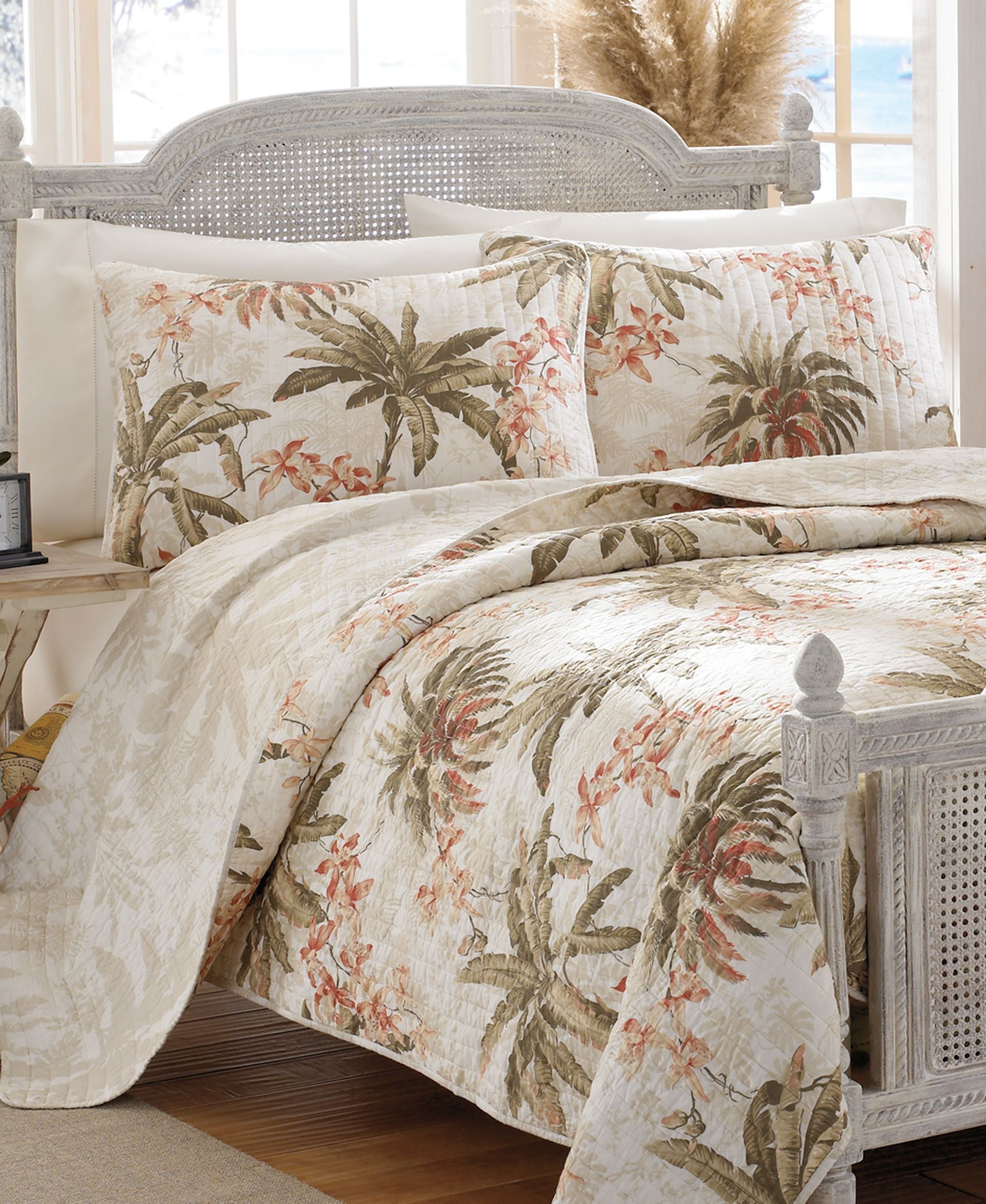 Tommy Bahama Home Bonnie Cove King Quilt Tommy Bahama Home Bed