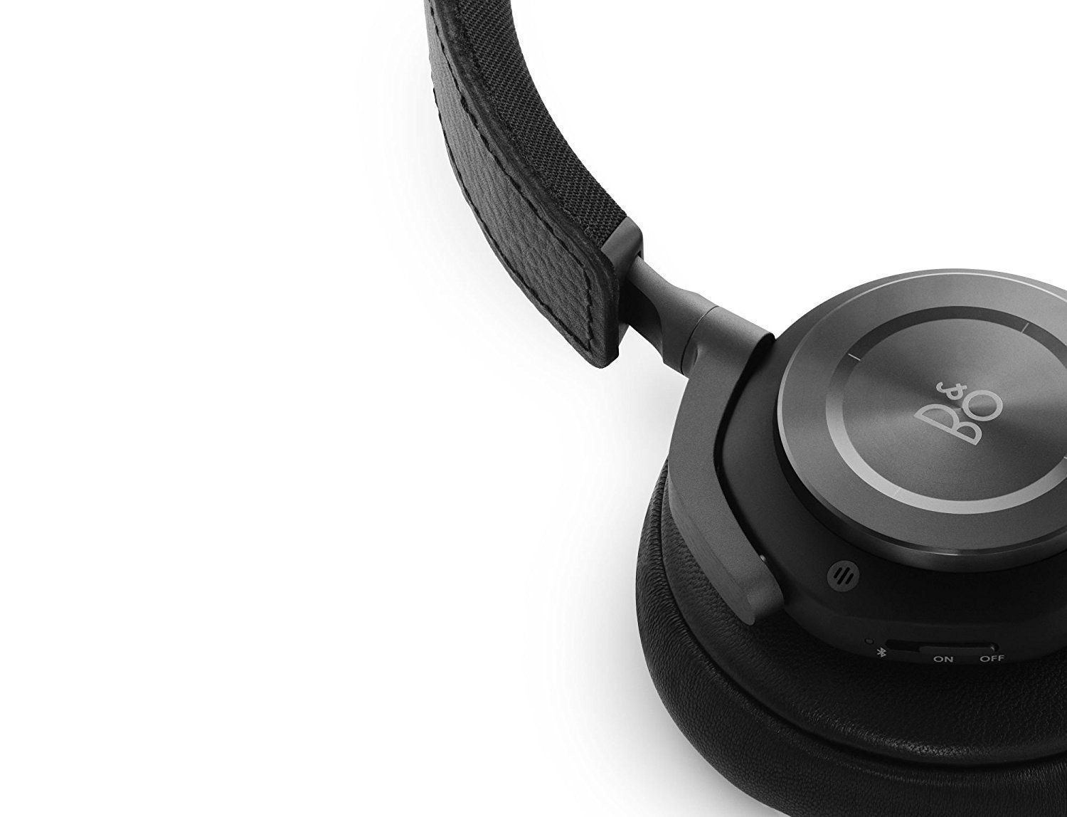 6b1e436b061 Move freely with Beoplay H9 wireless and Active Noise Cancelling, over-ear  headphones. These headphones allow you to complete clear phone calls and  play ...