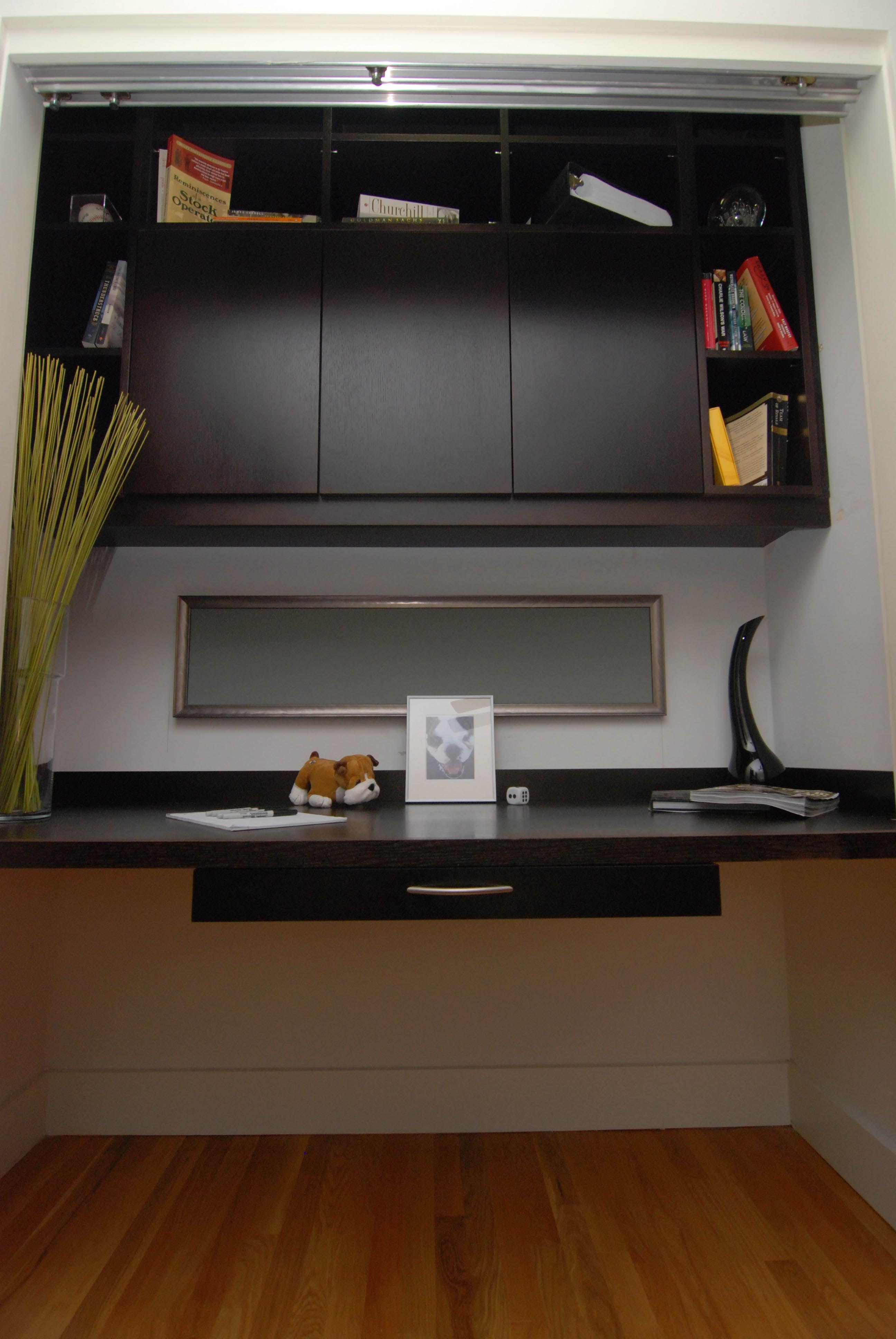Desk in a closet   Home Decor   Pinterest   Zimmer Büro, Training ...