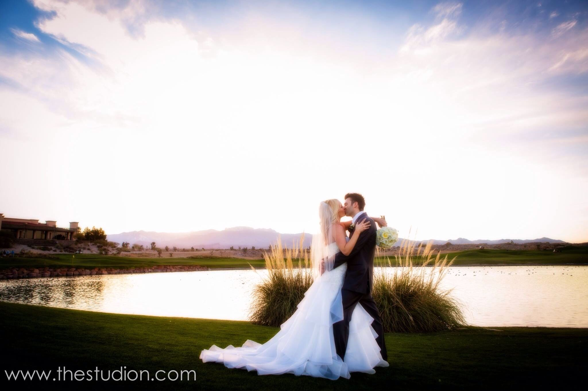 Las Vegas Wedding Photography Make Up Artistry Www Thestudion Bestofweddings Paiute Golf Resort Weddings Peterspartyof2 Gorgeous Bride