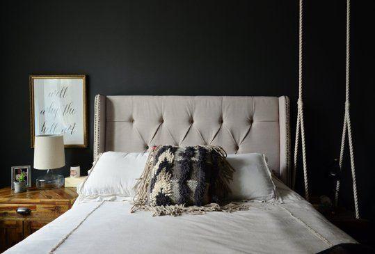 Goth Glamour: 10 stilvolle schwarze Schlafzimmer | Wall ...