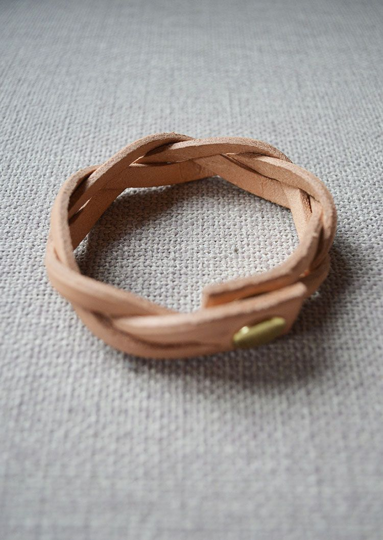 Bracelet Love    Solid Manufacturing Co.   anewall