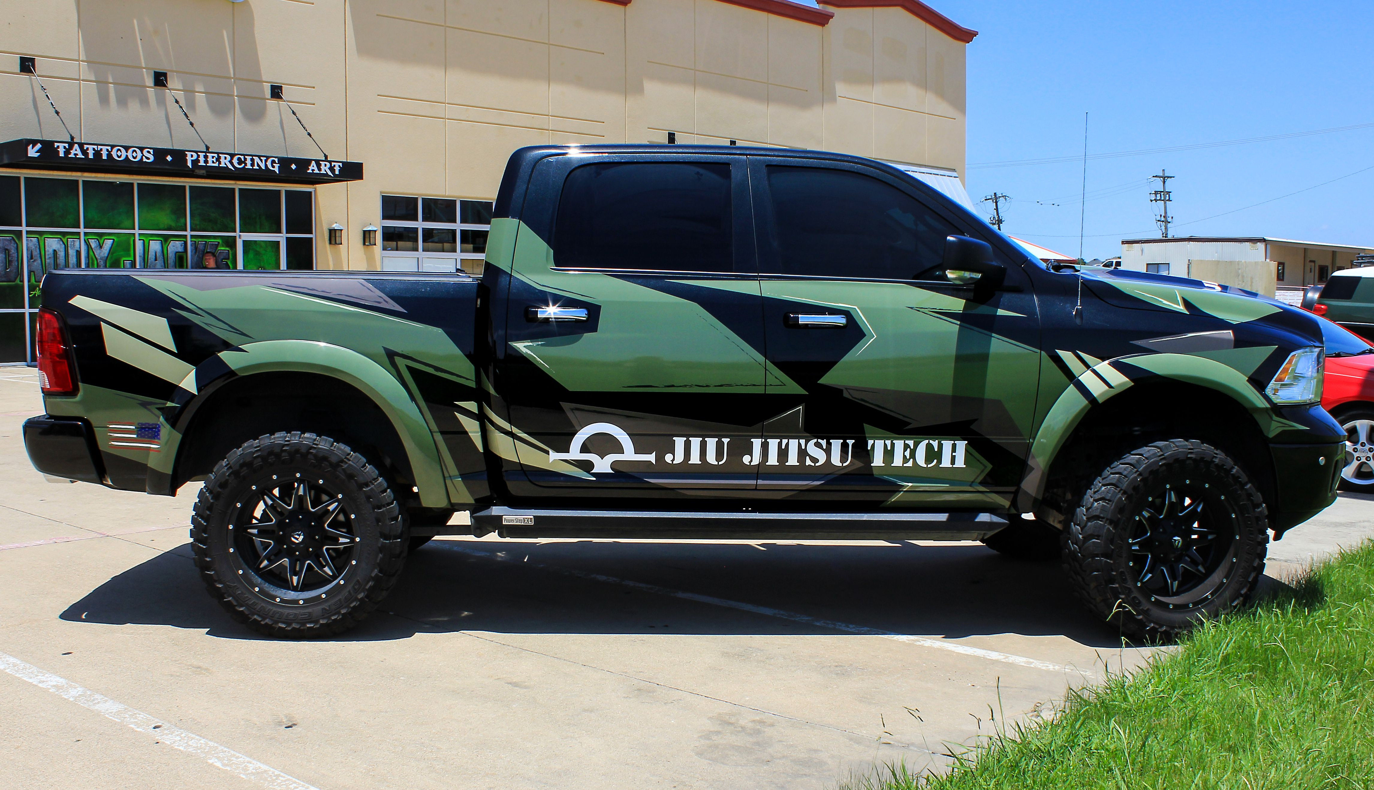 Custom Military Camo Military Green Truck Digi Camo Ideas Custom Trucks Camo Wraps Car Wrap Truck Wraps Graphics