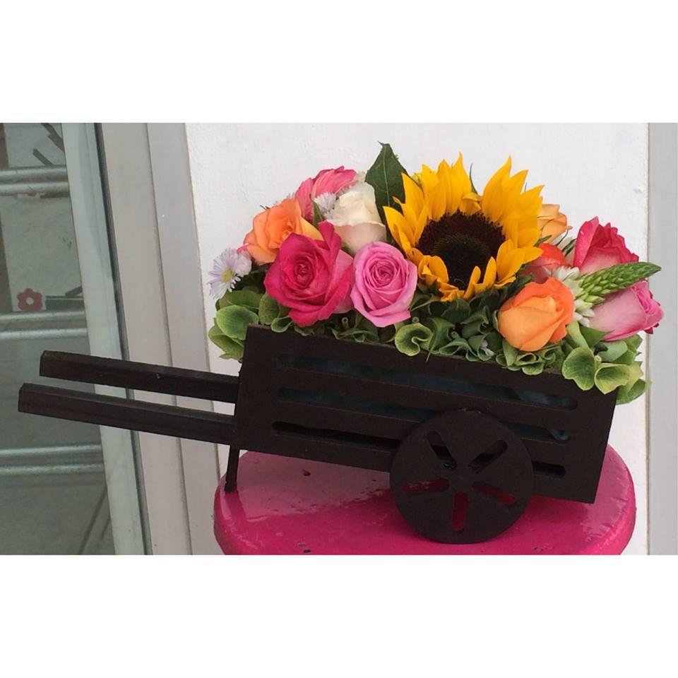 Carretas De Madera Con Flores