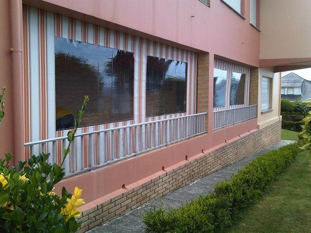 Toldos zeus con ventana que dejan pasar la luz pero no el viento ni el fr o sistemas de - Cortinas que no dejan pasar la luz ...