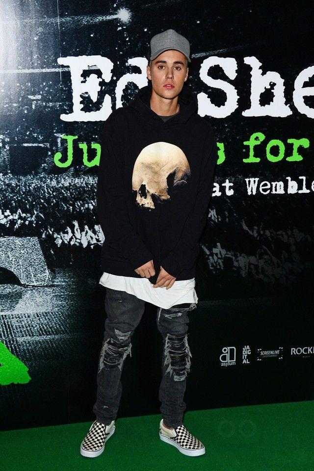 382530a0956 Justin Bieber - Attends the