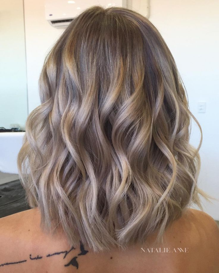 See This Photo Of Instagram By Bianca Petry 2 293 Tanned Best New Hair Styles Hair Styles Short Wavy Hair Long Hair Styles