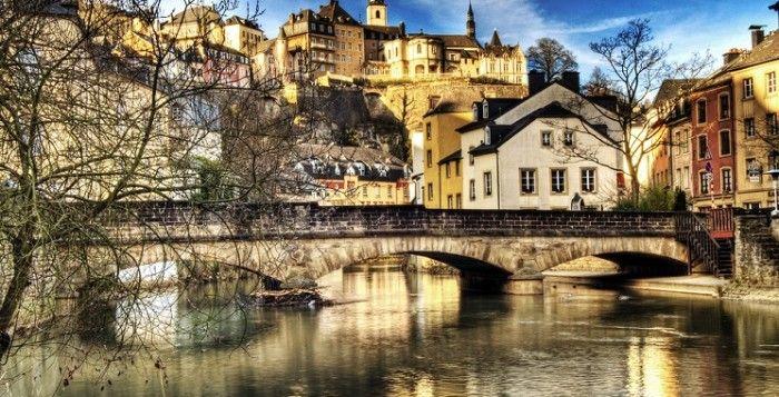 Exploring the City Luxembourg's Neighbourhoods Viagem