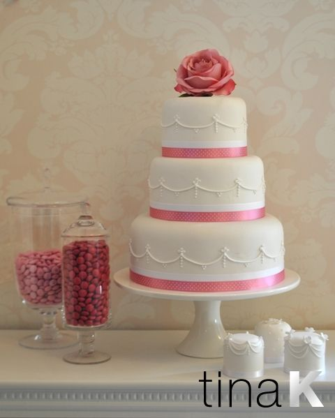 Piped Swags With Dusky Pink Rose Simply Lovely Wedding Cakes By Tina K