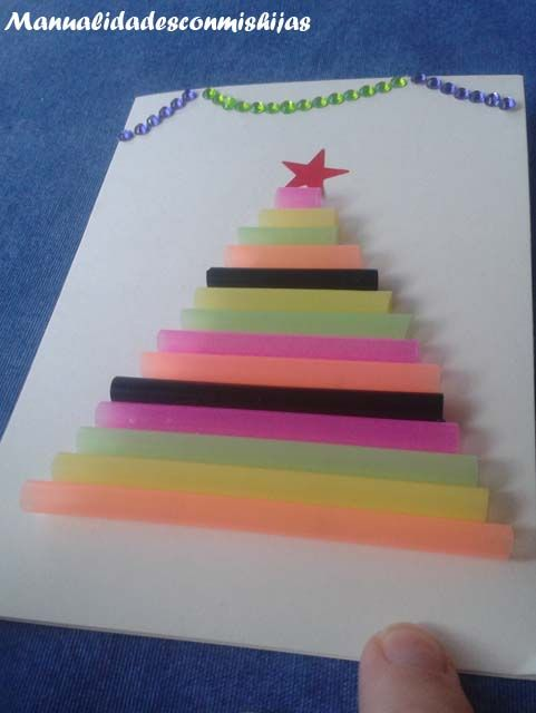 Tarjeta Con Pino De Navidad Realizado Con Pajitas Recicladas Por