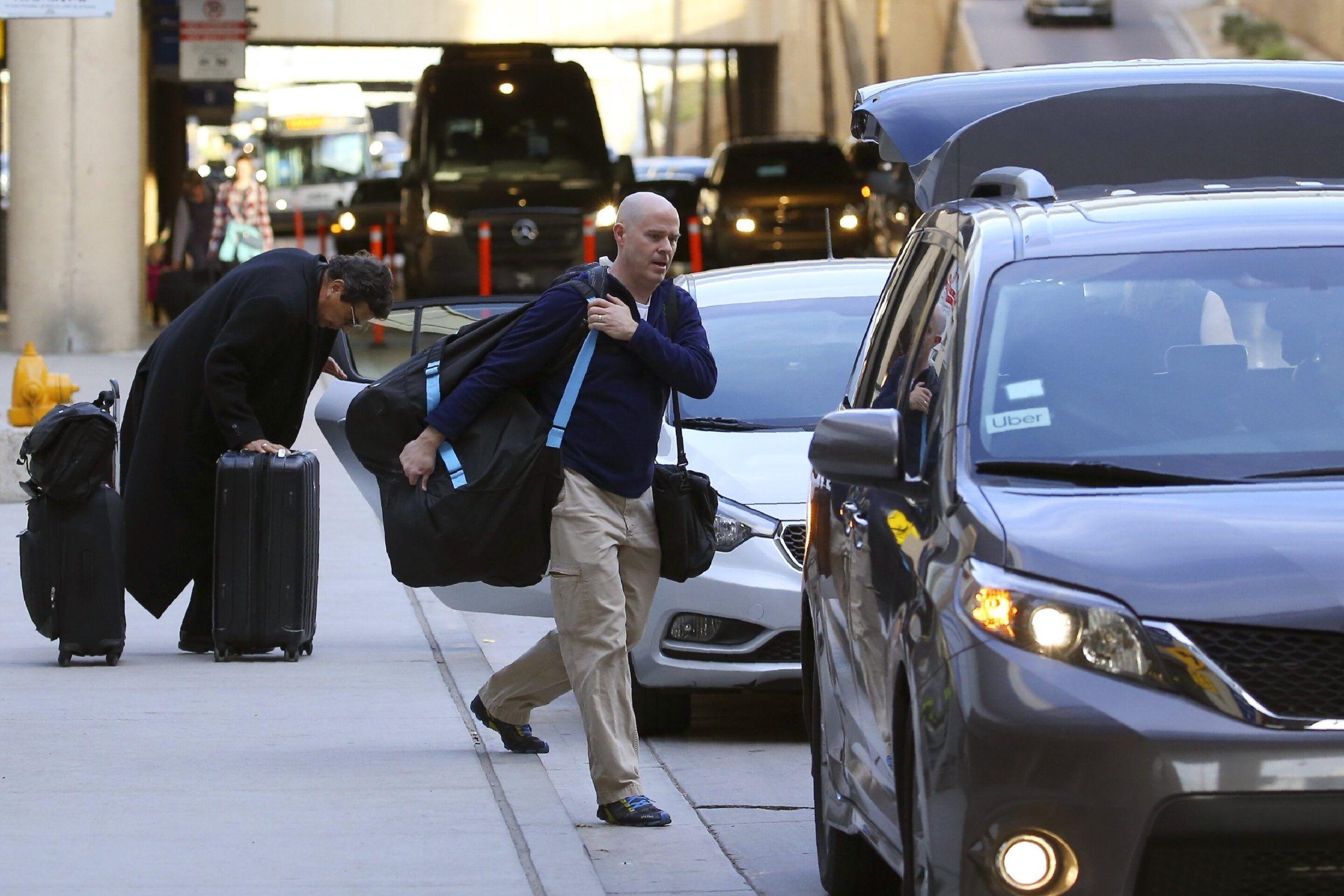 Uber promet d'arrêter le service aéroportuaire après que