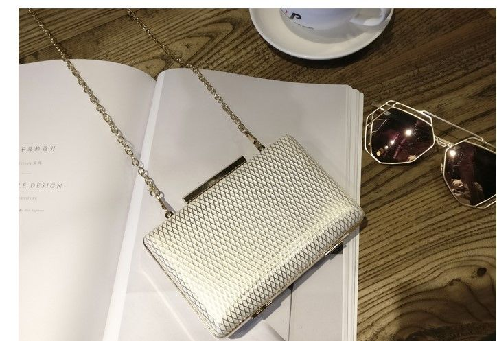 Diamond Pattern Clutch Bag   Price   28.99   FREE Shipping     getoutside 3fdf9f1f7603