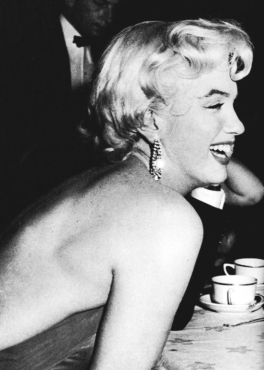 """November 6th 1954: Marilyn Monroe attends a party at Romanoff's restaurant to mark the end of the filming of The Seven Year Itch."""