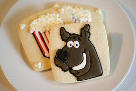 Snickety Snacks Popcorn Kissing And Scooby Doo Scooby Doo Birthday Cakebirthday