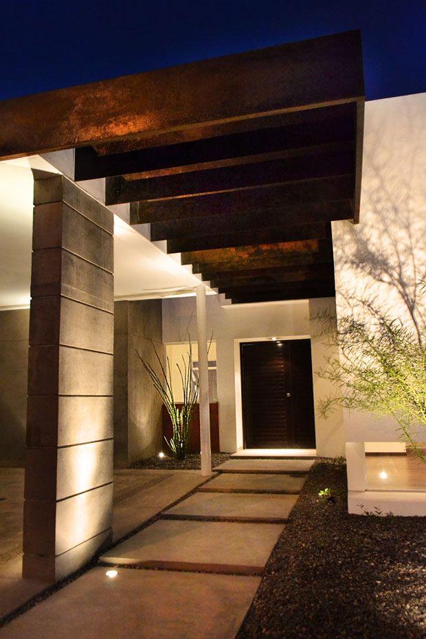 Casas minimalistas y modernas accesos ingresos for Frentes de casas minimalistas