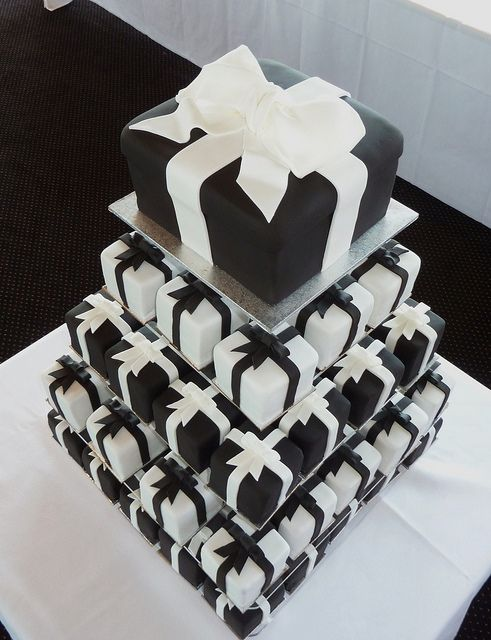 Black and White Presents | White wedding cupcakes, Weddings and Cake