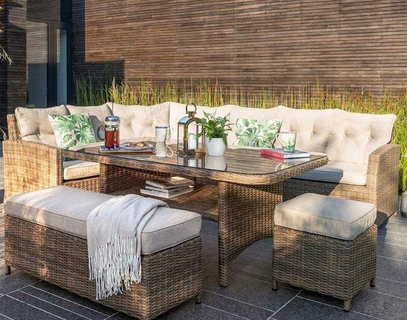 Beautiful Rattan Outdoor Dining Table In 2020 Rattan Garden