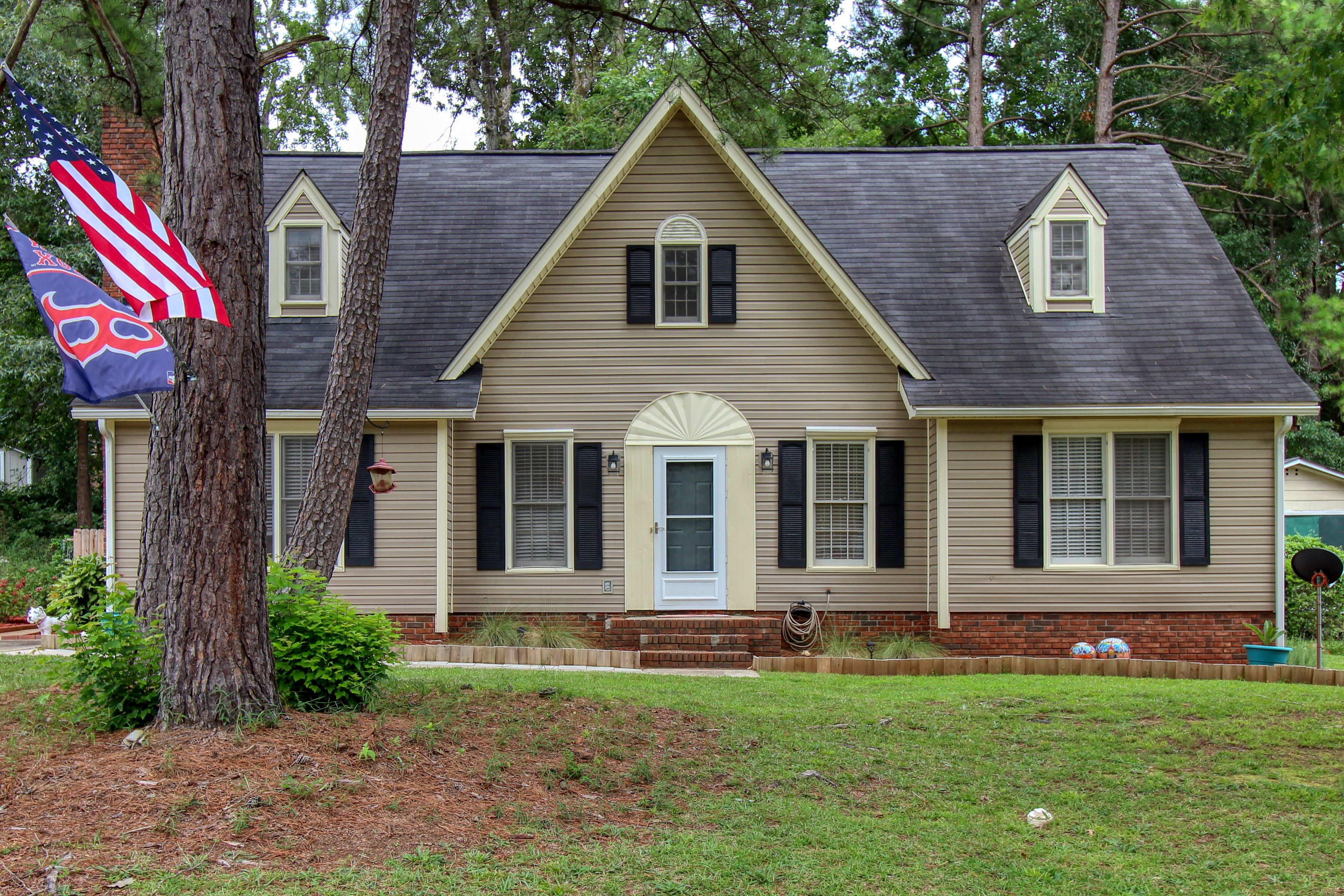 Price Drop 220 Gales River Road Irmo Sc 29063 Built In Buffet Fenced In Yard Brick Fireplace
