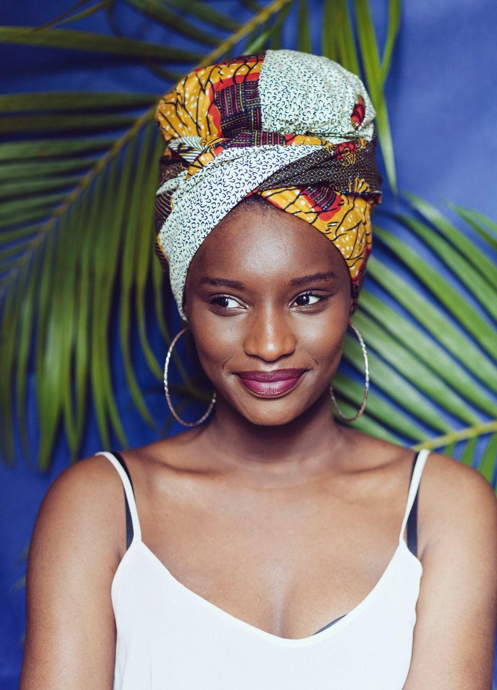 4373e3f120dc Inspiration   5 façons d attacher son foulard   Foulards   Pinterest ...
