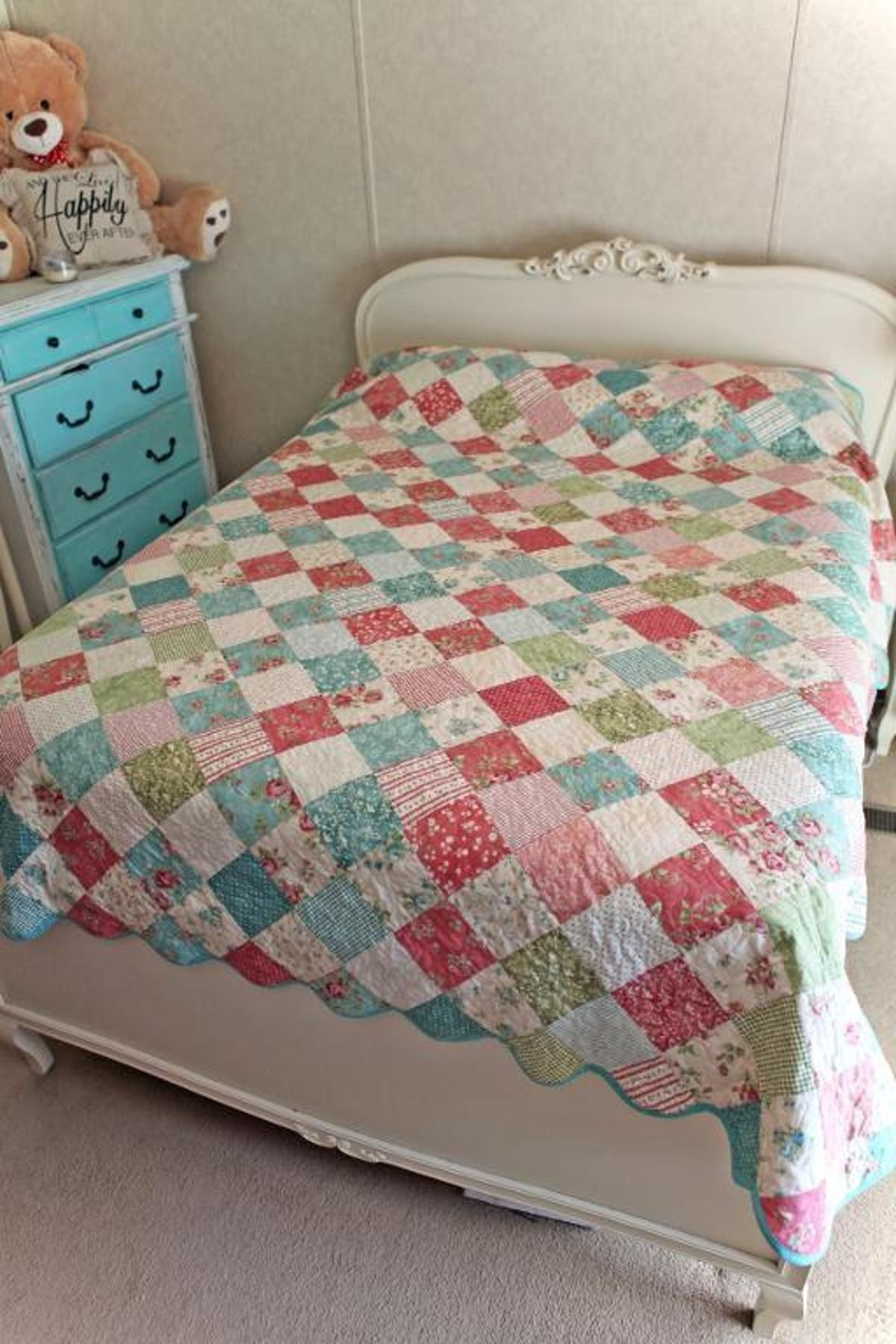 Simply Charming Full Size Bed Quilt