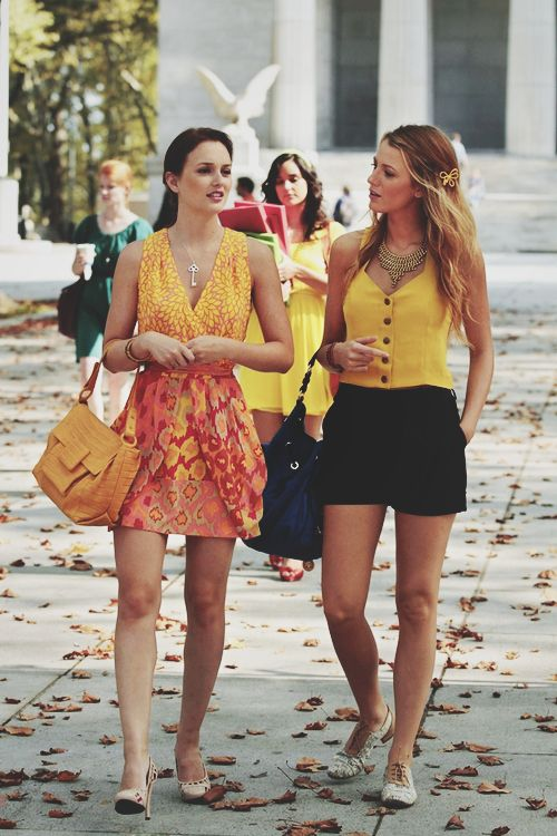 ace08817e54a Blair Waldorf and Serena Van Der Woodsen in Paris...love love love both of  their outfits!