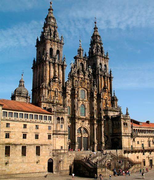 El flujo de peregrinos a Santiago de Compostela llega con diciembre a sus meses de temporada baja: http://www.guiarte.com/noticias/peregrinacion-temporada-baja-dic16.html
