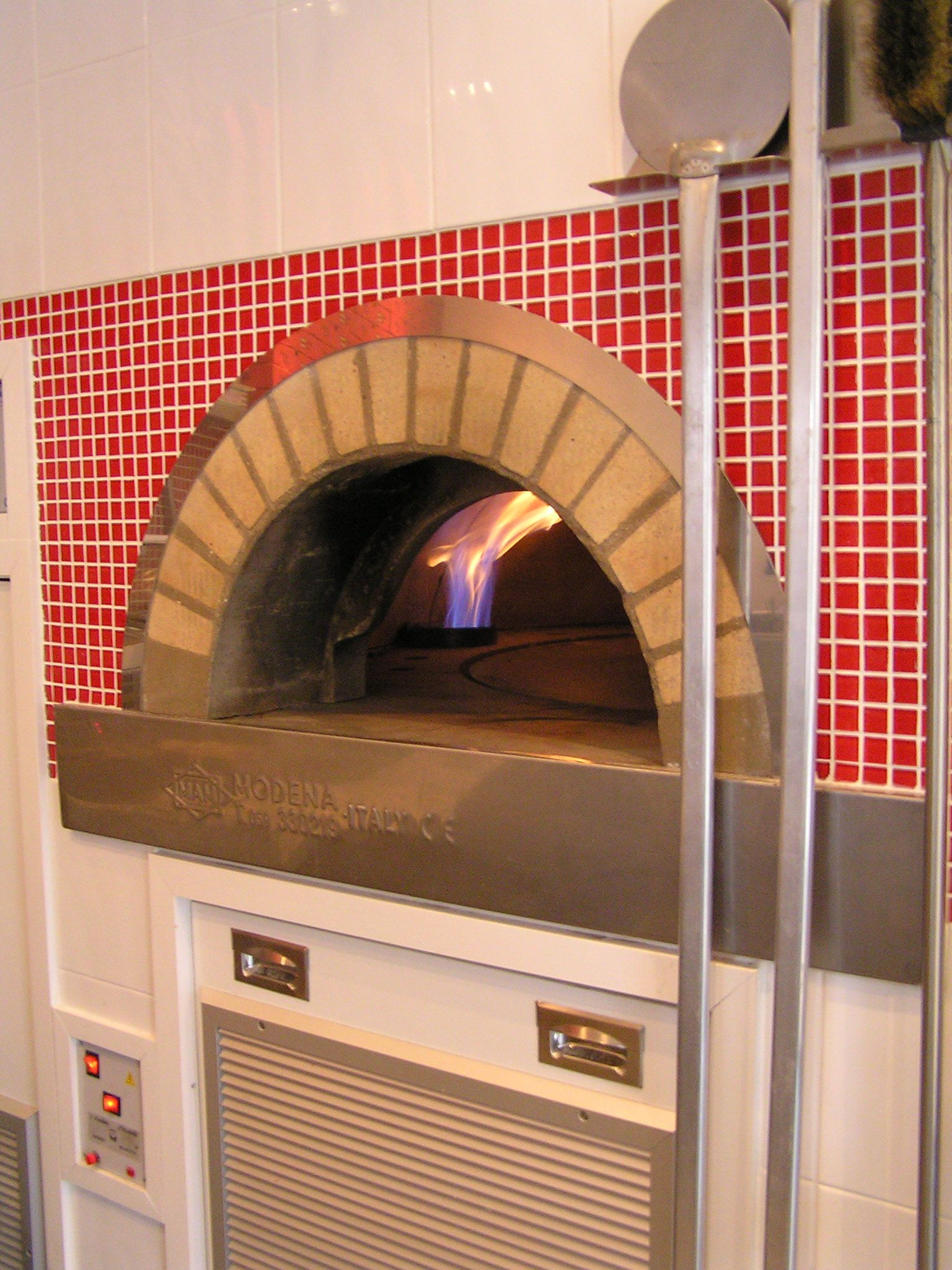 Gas Fired Rotating Base commercial Italian pizza oven - ready for ...