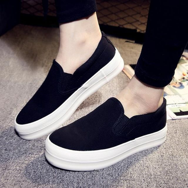 Women's Platform Wedge Round Toe Rivets Shoes Korean Fashion Sneakers Loafers