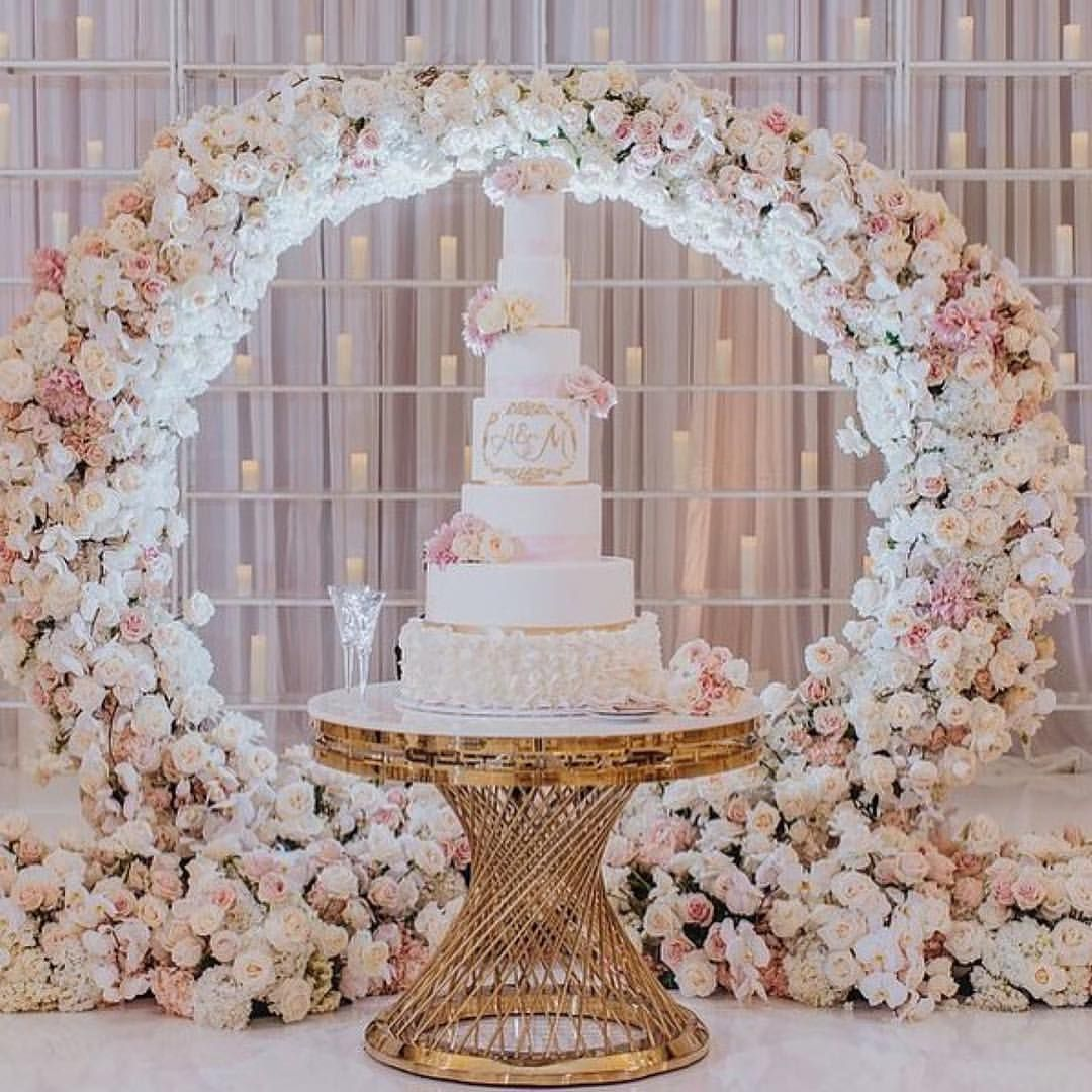 Beautiful Round Arch For Cake Decor Photo Dmitry Shumanev Wedding Top Table Round Wedding Cakes Floral Desig