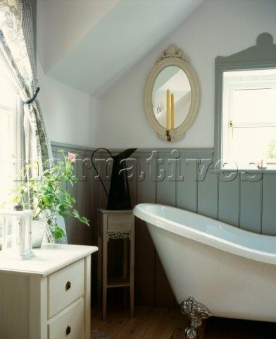 Freestanding bath with tongue and groove panelling in for Bathroom ideas using tongue and groove