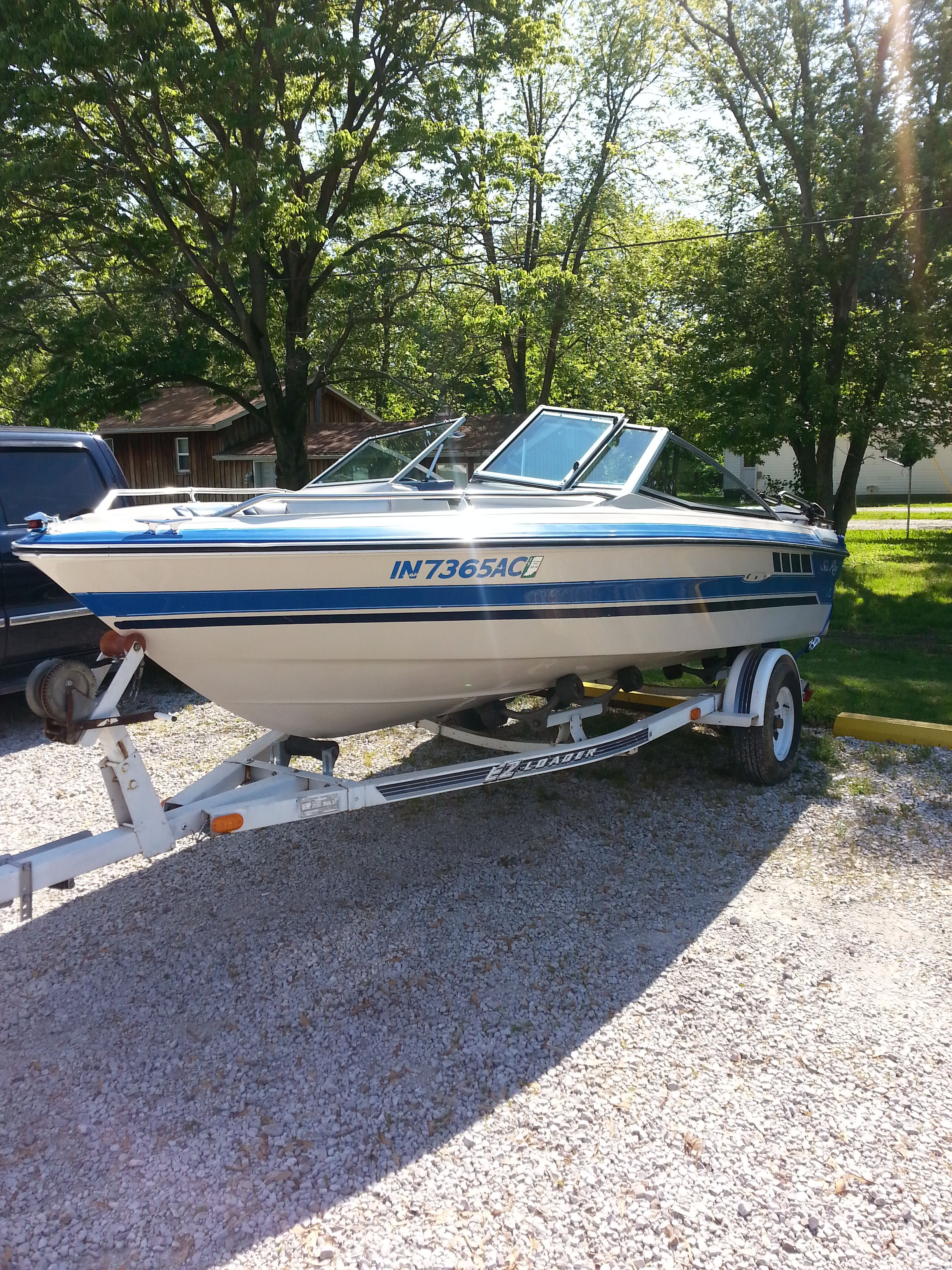 1987 Sea Ray - As you can see, the gel coat is in excellent shape