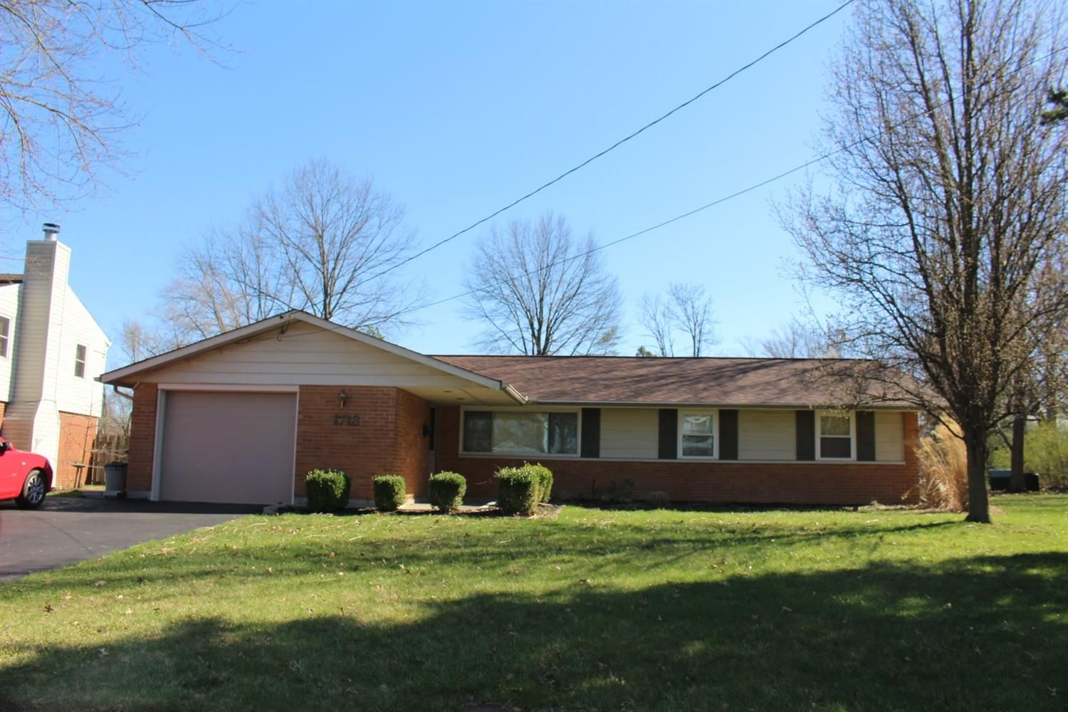 Real Estate Photo 1 For 1713 Stockton Dr Loveland Oh 45140 Asking 135 000 Sold For 137000 House Styles Home Warranty House