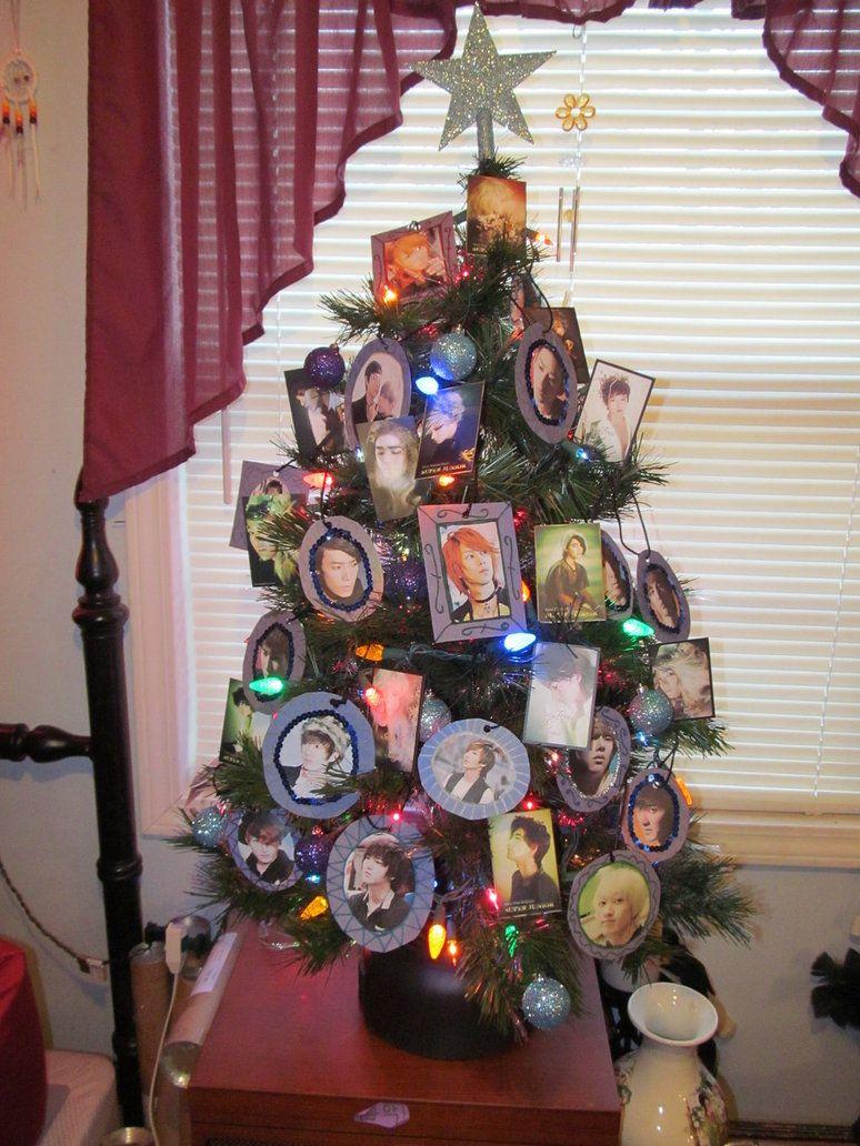 Super Junior Christmas tree. kpop