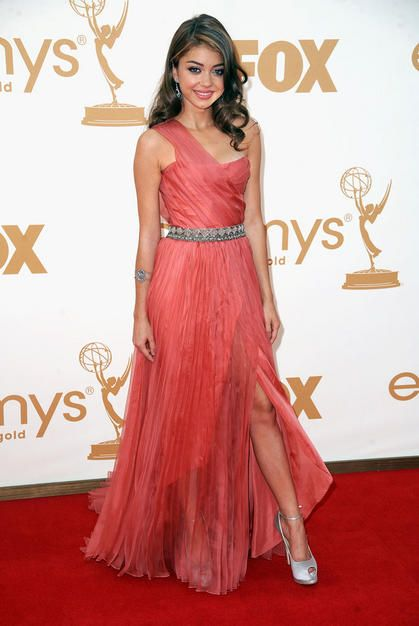 Sarah Hyland @ 2011 Emmys in Christian Siriano. Love the color and the greek goddess look