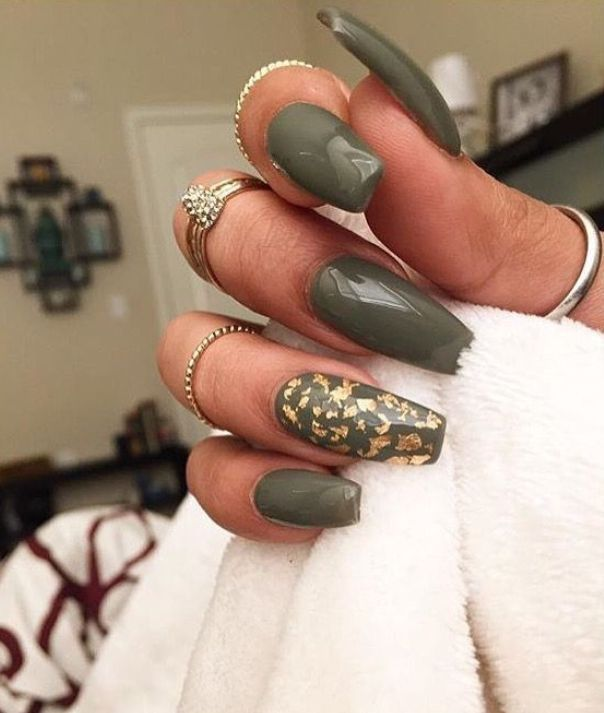33 Cutest And Trendy Green Acrylic Nails And Green Matte Nails Design For Prom And Party Nail Art 24 ɠʀyeye Green Acrylic Nails Olive Nails Matte Nails Design