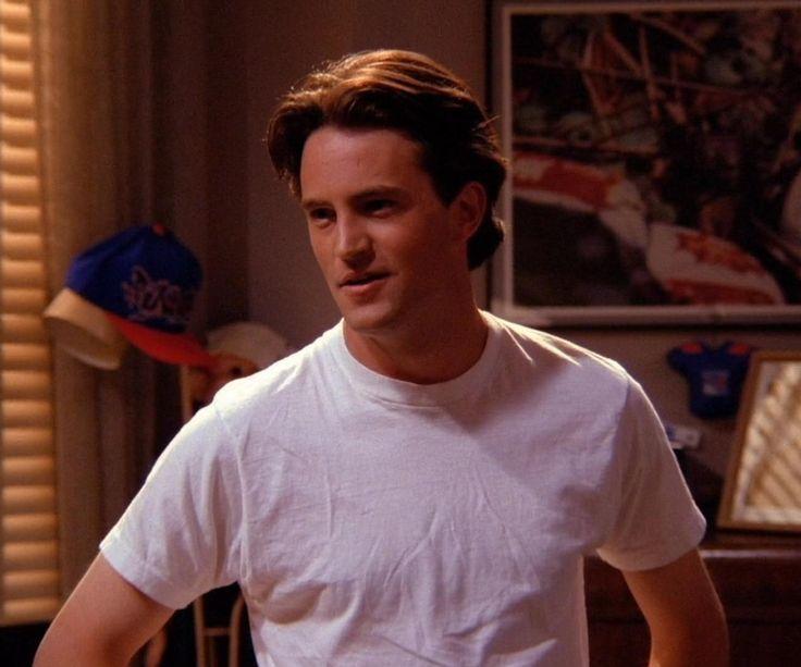 Matthew Perry. FRIENDS Monica Geller, Chandler Bing, Joey Tribbiani, Phoebe  Buff… | Elenco de friends, Celebridades adolescentes, Parejas de películas