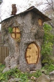 """Another real """"tree"""" house"""