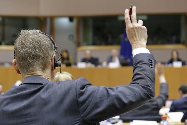 TTIP wins first crucial EU test: MEPs give in to the trade agreement