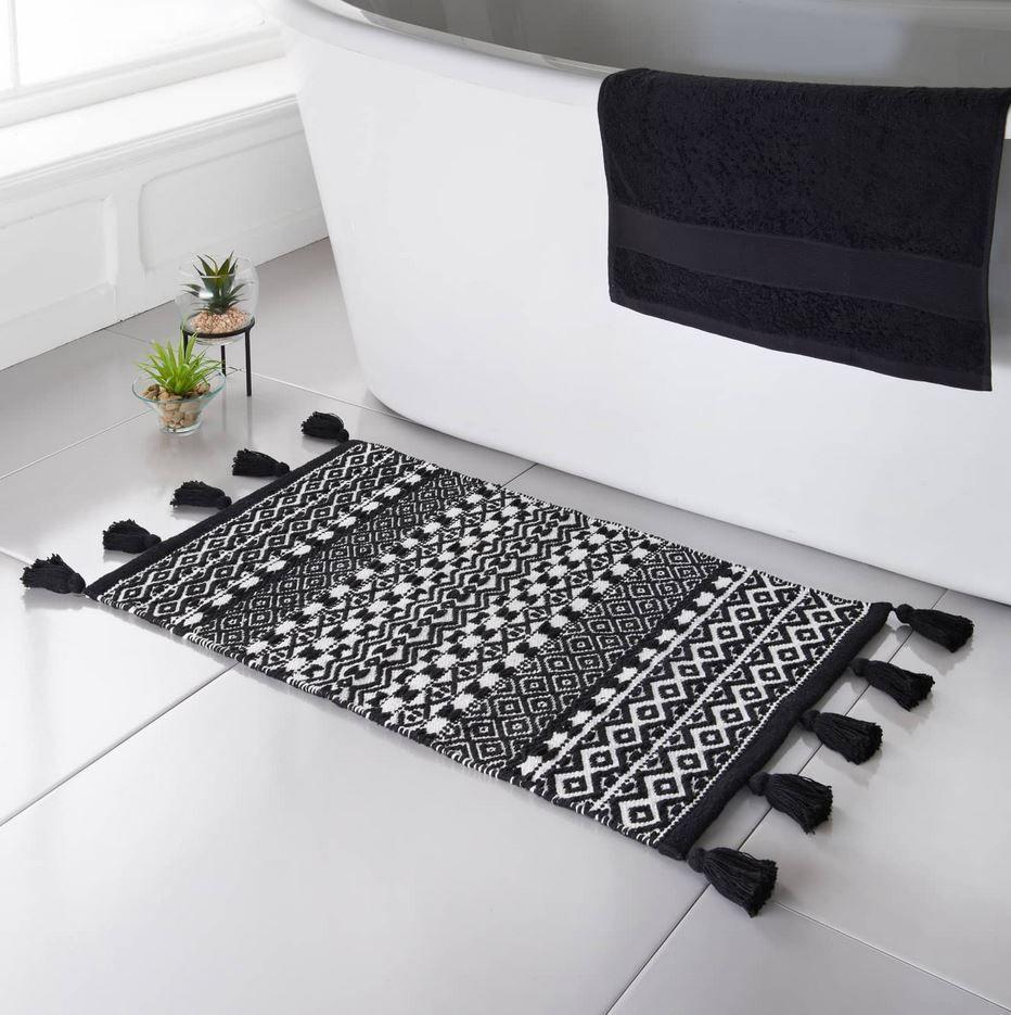 tapis de bain noir et blanc