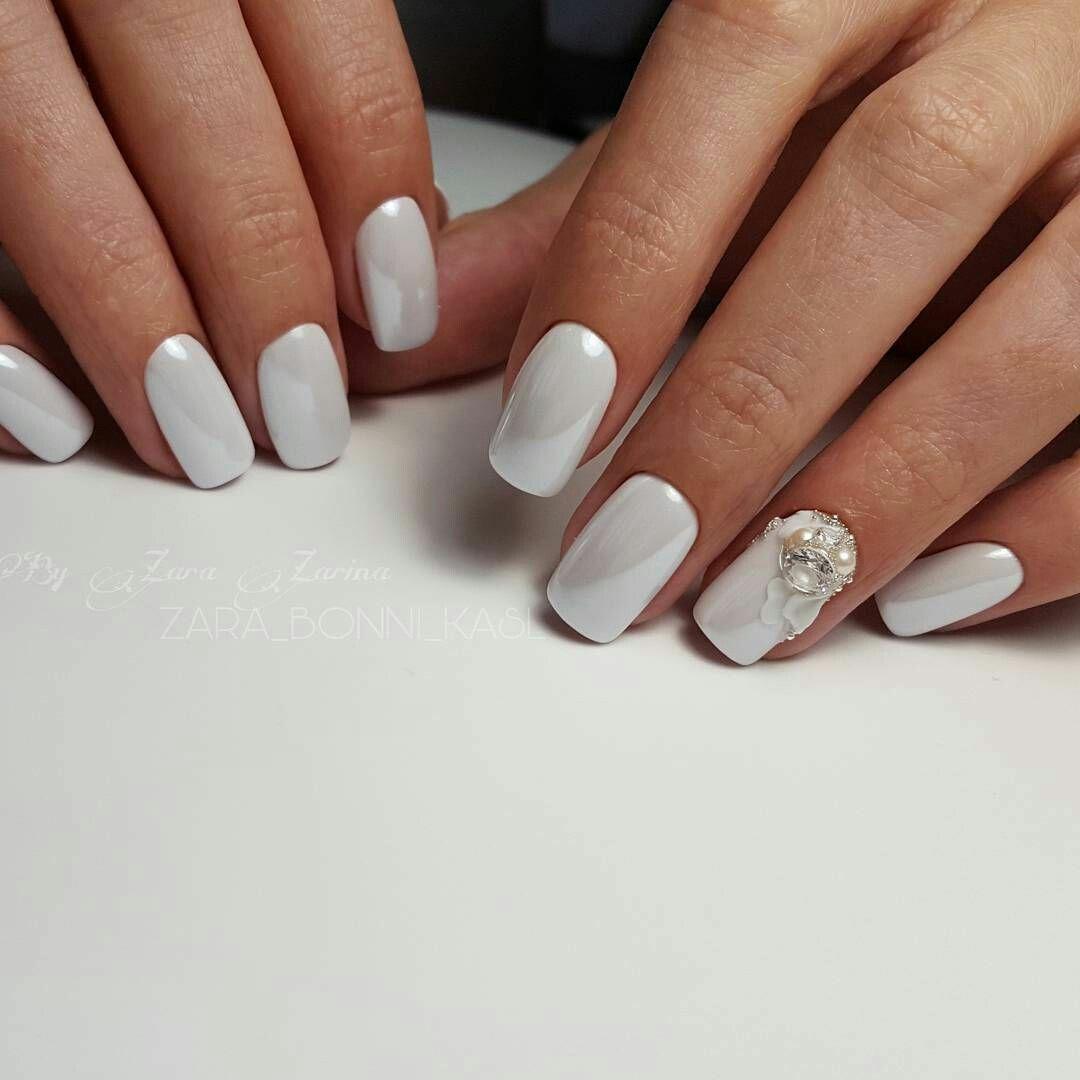 Светлый маникюр: 25 фото шикарных ногтей гель-лаком | идеи ...