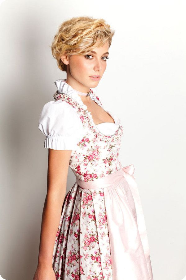dirndl frisuren mit anleitung f r oktoberfest wiesn 2013 kurze haare wiesn oktoberfest. Black Bedroom Furniture Sets. Home Design Ideas