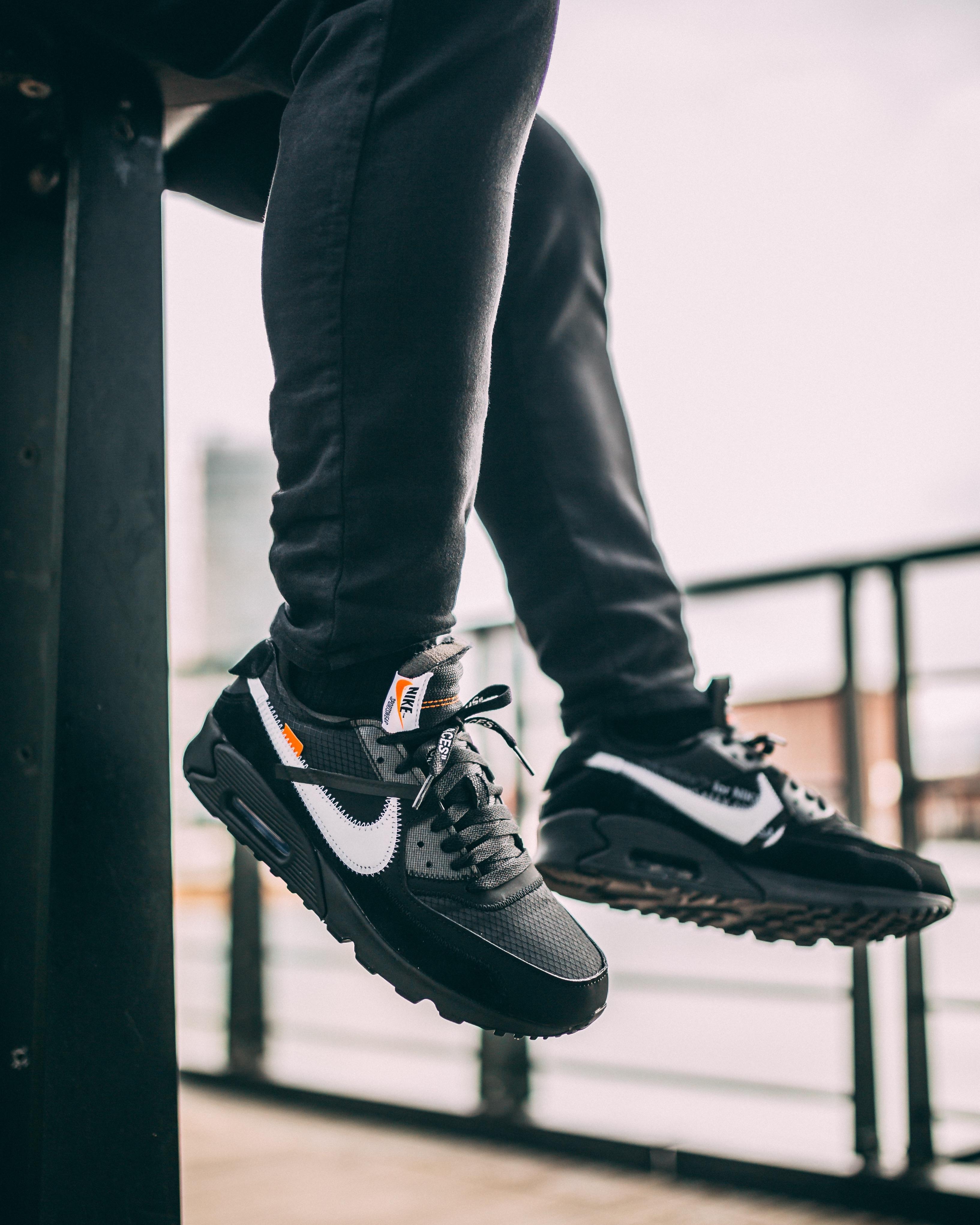 huge selection of e33c7 2a8a1 Pin by Derek Caperton on Footwear in 2019 | Sneakers nike ...