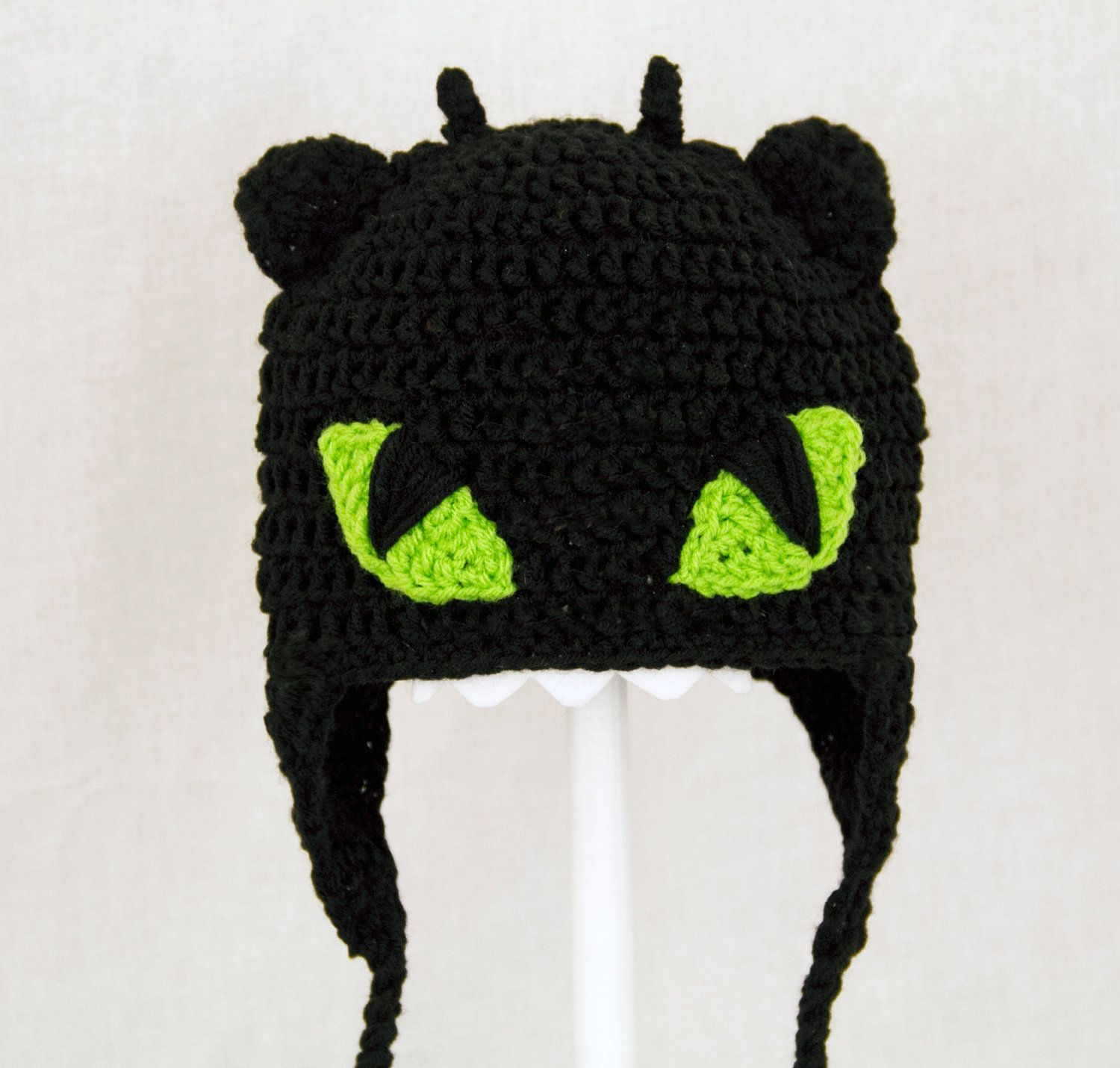 Toothless the Nightfury Earflap Hat from How to Train Your Dragon ...