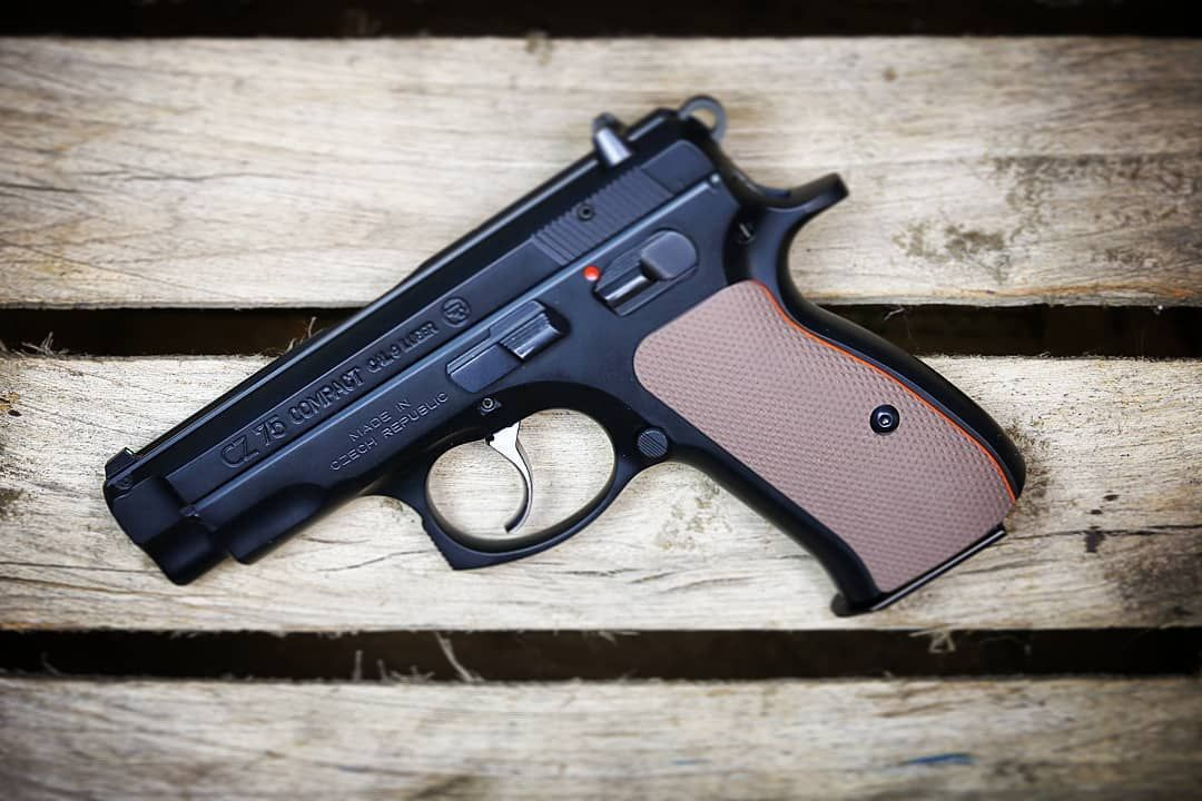 😎 The CZ75 Compact wearing our FDE Full Checkered G10 grips with an