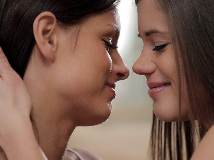 hot-girls-licking-eachother-nerd-lesbians-porn