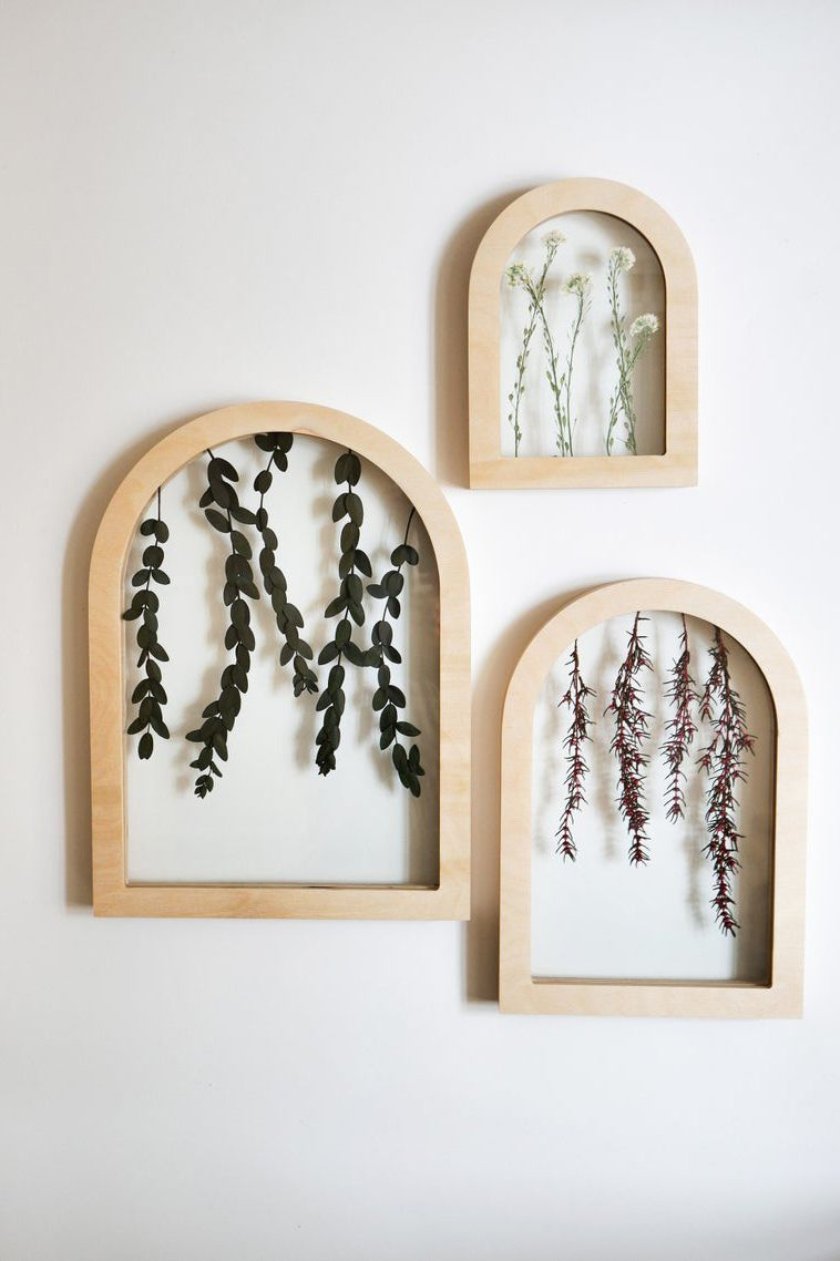 A Beautiful Way To Display Dried Leaves Modern And Simple Arched Wood Frame Encasing Dried Leaves To Brin Framed Botanicals Arched Wall Decor Frame Wall Decor